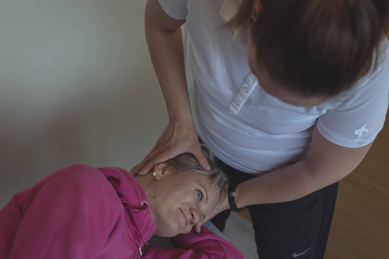 Hyvänlaatuisen asentohuimauksen hoito-ohjaus